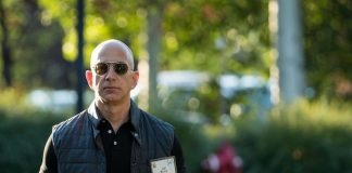 Jeff Bezos: Net Worth $ 112bn