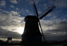 countries famous for its windmills
